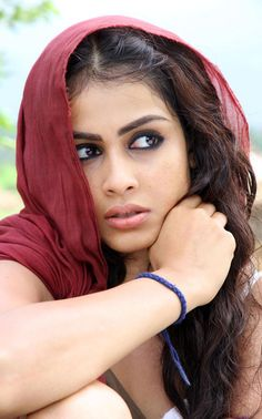 "from "" urumi "" film Indian Film Actress, Indian Actresses, Genelia D'souza, Vijay Actor, Telugu Cinema, Telugu Movies, Girl Wallpaper, Celebs, Celebrities"