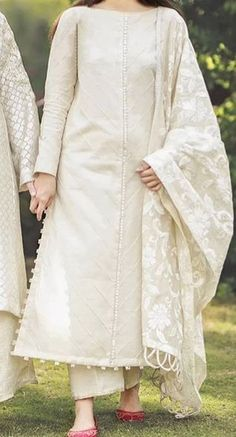 Casual Indian Fashion, Pakistani Fashion Party Wear, Indian Fashion Dresses, Indian Designer Outfits, Beautiful Pakistani Dresses, Pakistani Dresses Casual, Pakistani Dress Design, Casual Dresses, Fancy Dress Design