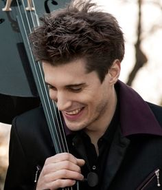 Am I the only one that has a major crush on Luka Sulic from 2cellos? C'mon, ladies. You can't deny the fact that he is REALLY good lookin'.