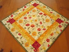 patchworkmountain:    Quilted Table Topper Poppies