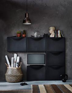 Des armoires à chaussures Ikea détournées en meuble TV
