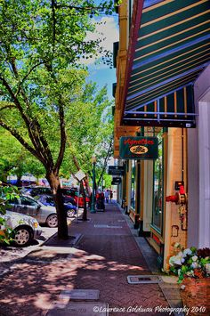 Downtown Healdsburg in Sonoma County, California