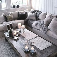 love this look... That's how my living room used to look before my son was born.