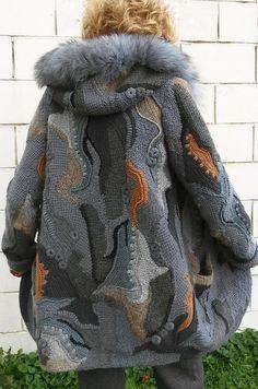 Crochet coat /cardigan freeform patchwork boho for womenFree-form crochet, hooded coat w front, invisible pocketsCrochet Patterns Women Buy Crochet a crochet / cardigan in a c .Purchase Crochet Coat / Cardigan within the model of freform, patchwork, Crochet Coat, Crochet Cardigan, Crochet Clothes, Freeform Crochet, Irish Crochet, Coat Patterns, Knit Fashion, Beautiful Crochet, Lana