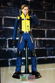 Ani-com coverage: Hot Toys X-Men First Class: Charles Xavier