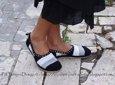 Ravelry: TUTORIAL/PATTERN FOR HOW TO MAKE YOUR OWN CORD SOLES. Turn ANY home slippers into street shoes! Tailored Cord-Soles + Sole Treatment - by Ingunn Santini
