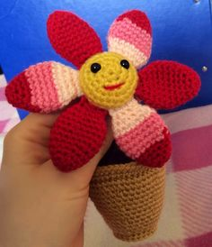Lonemer Creations: Smiling Flower in a Pot (Free Amigurumi Pattern)