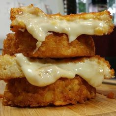Burger sized cheese stuffed tater tot!!! I have been waiting my life for this. Uses 1 1/2 cup of tater tots/potato gems, two slices of swiss cheese and one egg.