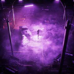 One night, going in circles Dark Purple Aesthetic, Neon Aesthetic, Night Aesthetic, New Retro Wave, Retro Waves, Aesthetic Backgrounds, Aesthetic Wallpapers, Cg Artwork, Purple Walls