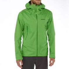 being prepared for the worst, with GoreTex Paclite Technology #rainjacket #Patagonia #RockCreek