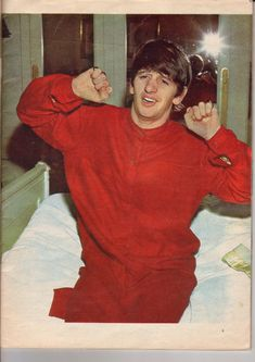 Ringo looks like he just woke all sweet, cozy, adorable. Beatles Band, Beatles Love, Beatles Photos, John Lennon Beatles, Beatles Bible, Beatles Funny, Beatles Poster, Ringo Starr, George Harrison