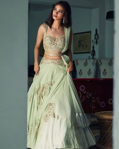 Lehenga with a twist! Indian Bridal Outfits, Indian Fashion Dresses, Dress Indian Style, Indian Designer Outfits, Indian Wedding Dresses, Indian Gowns, Indian Attire, Indian Bridal Lehenga, Lehenga Wedding