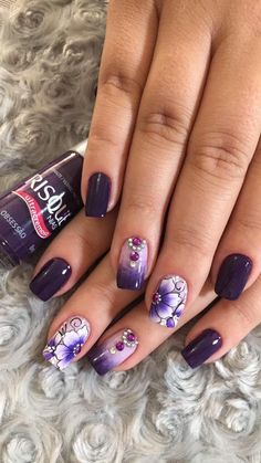 What Christmas manicure to choose for a festive mood - My Nails Great Nails, Fun Nails, New Nail Colors, Color Nails, Christmas Manicure, Nail Art Stickers, Nail Decorations, Purple Nails, Flower Nails