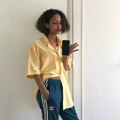 Discover recipes, home ideas, style inspiration and other ideas to try. Fashion Killa, Look Fashion, 90s Fashion, Fashion Outfits, Womens Fashion, Feminine Fashion, Shorts Jeans, What To Wear, Street Wear