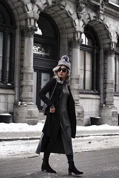 There is a Canadian art to master - the art of being casual and stylish at the same time. Verdun's Noland merino wool toque with a silver fox fur pom is the epitome of this style. Canadian Art, Fur Pom Pom, Winter Accessories, Fox Fur, Live, Goth, Street Style, Stylish, Merino Wool