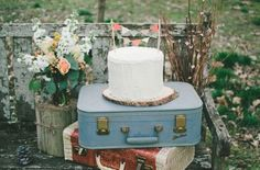 Vintage suitcases at your Rustic wedding
