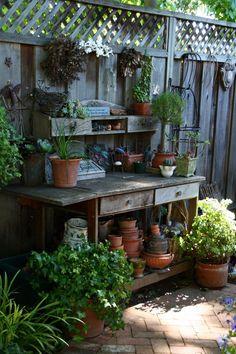 Beautiful Potting Bench