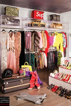 """For the vivacious superstar make-up maven's first """"grown up"""" home, the decor resulted in a glamorous but inviting look – equal parts sparkle and sumptuousness. Casa Jenner, Kylie Jenner Room, Jenner House, Wardrobe Room, Closet Bedroom, Bedroom Decor, Luxury Closet, Luxury Homes Dream Houses, Décor Boho"""