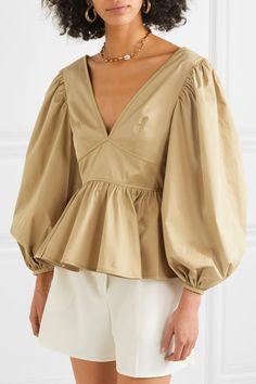 STAUD - Luna ruffled cotton-blend poplin blouse - M/ mode Blouse Styles, Blouse Designs, Collar Styles, Hijab Fashion, Fashion Outfits, Womens Fashion, Fashion Fashion, All Jeans, Madame