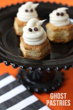 Mini Ghost Pastries with a Sweet Surprise! : Mini Ghost Pastries with a Sweet Surprise! Halloween Appetizers, Halloween Desserts, Halloween Cupcakes, Halloween Party, Halloween Ghosts, Easy Halloween, Halloween Treats, Holiday Treats, Holiday Recipes