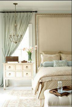#dormitorio #chic #romántico #cabecero tapizado con #marco