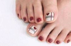 27 Adorable Easy Toe Nail Designs 2020 – Simple Toenail Art Designs : Page 20 of 25 : Creative Vision Design – nageldesign. Glitter Toe Nails, Gel Toe Nails, Acrylic Toe Nails, Simple Toe Nails, Pretty Toe Nails, Summer Toe Nails, Feet Nails, Toe Nail Art, Nail Nail
