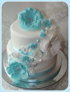 Flowers and hearts wedding cake