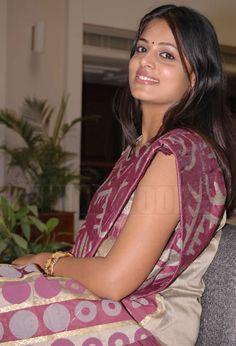 sindhu menon   Indian Actress Sindhu Menon Pics, Sindhu Menon Images, Sindhu Menon ...