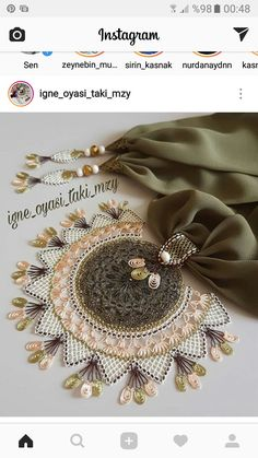 Scarf Jewelry, Needle Lace, Homemade Jewelry, All About Fashion, Folk Art, Tatting, Diy And Crafts, Brooch, Embroidery