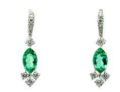Pendientes con esmeraldas y diamantes naturales