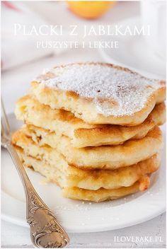 placuszki z jabłkami Breakfast Plate, Breakfast Recipes, Dessert Recipes, Fudge, Food Design, Delicious Desserts, Good Food, Food Porn, Food And Drink