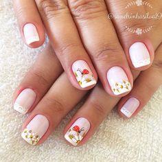 Esse rosa é lindo!!! E as unhas da Carmem nem se fala! #unhadequinta Mani Pedi, Gel Polish, Ladybug, Nail Art, Gisele, Nails, Floral, Beauty, Easy Nails