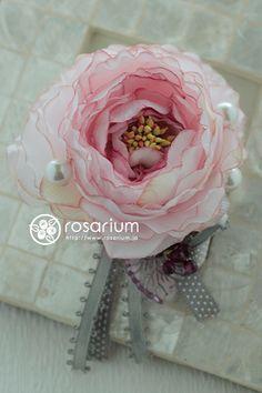 rosarium ラナンキュラスのコサージュ