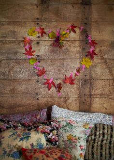 Washi tape and autumn leaves wall deco