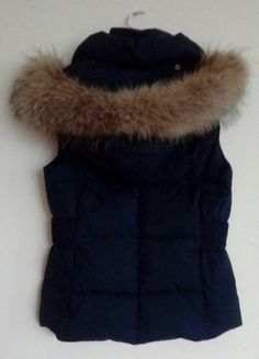 Kup mój przedmiot na #vintedpl http://www.vinted.pl/damska-odziez/kurtki/15971942-kamizelka-bezrekawnik-puchowy-esprit-futro-jenot-naturalny-ml
