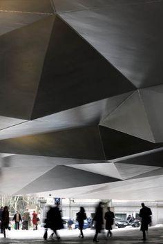 Caixaforum Madrid - Herzog & de Meuron. Undercroft