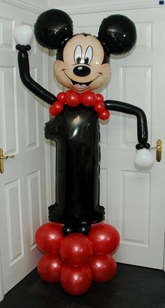 Mickey Mouse Balloons, Mickey Mouse Birthday, Mickey Minnie Mouse, Birthday Balloons, Birthday Party Themes, Balloon Tower, Party Planning, Sculptures, Numbers