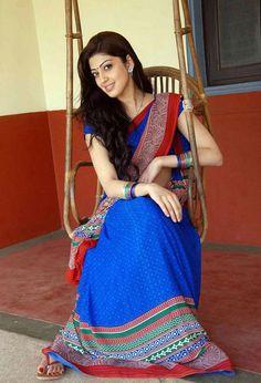 Pranitha+Blue+Saree+Pictures+4.jpg (800×1176)