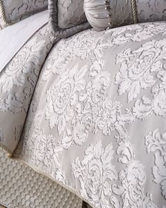 Shop Queen Vasari Damask Duvet Cover from Dian Austin Couture Home at Horchow, where you'll find new lower shipping on hundreds of home furnishings and gifts. Damask Bedding, Comforter Sets, Luxury Bedding, Linen Bedding, Bed Linens, Bed Linen Inspiration, King Size Bed Linen, Zipper Bedding, Romantic Bedroom Decor