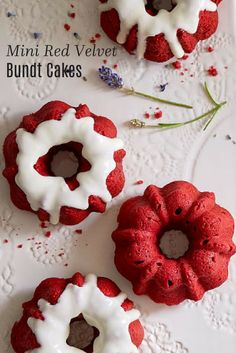 Roquefort mini cakes, smoked walnuts and bacon - Clean Eating Snacks Mini Tortillas, Bunt Cakes, Cupcake Cakes, Cupcakes, Red Velvet Bundt Cake, Nothing Bundt Cakes, Pampered Chef Recipes, Mini Desserts, Savoury Cake