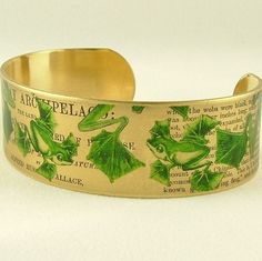 Green Flying Frog Brass Cuff