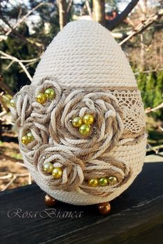 Jute Crafts, Egg Crafts, Easter Crafts, Decor Crafts, Diy And Crafts, Easter Projects, Faberge Eggs, Egg Decorating, Quilling