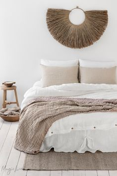 Inspired by our love for natural and earthy tones, this linen bedding styling features creamy whites, soft natural linen and shades of dusty pink - the epitome of calm. Discover our collection of pure linen bedding.