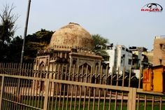 Monuments are the best past to tell as about history.   Pic clicked by mkp (manish kumar photography)
