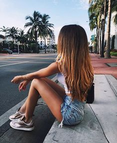 Image discovered by ♕ sᴀғ ♕. Find images and videos about girl, pretty and hair on We Heart It - the app to get lost in what you love.