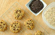 Chocolate Chip Honey Oatmeal Cookies -- use half honey&sugar, add karnemelk/cranberrysap Honey Oatmeal Cookie Recipe, Oatmeal Cookies, Breakfast Dessert, Breakfast Recipes, Cookie Recipes, Dessert Recipes, Desserts, Biscuit Bar, Cranberry Muffins