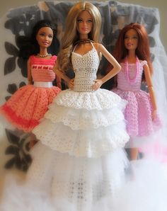 Crochet dresses for bride and bridesmaids. Hope you like!