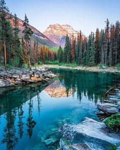 Cool Places To Visit, Places To Travel, Places To Go, Zelt Camping, View Wallpaper, Pintura Country, Background Pictures, Rocky Mountains, Mountain Landscape