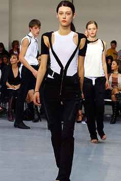 Helmut Lang - Spring 2003 RTW (9 years is a long time to think about a hanging, detached zipper.)