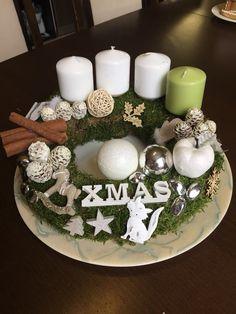 Adventi koszorú Snow Globes, Table Decorations, Christmas, Diy, Home Decor, Hand Made, Xmas, Decoration Home, Bricolage